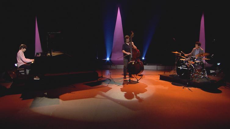 Antonio Guerra, Guto Wirtti e Cassius Theperson se apresentam no Cena Instrumental