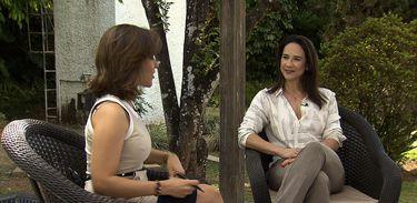 Educadora parental Julyana Mendes conversa com a jornalista Katiuscia Neri