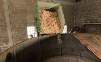Foz do Iguaçu (PR) - Itaipu Binacional inaugura planta de produção de biometano com o uso de mistura de esgoto, restos orgânicos de restaurantes e poda de grama. Veículos de Itaipu são abastecidos com biometano (Divulgação/Itaipu)