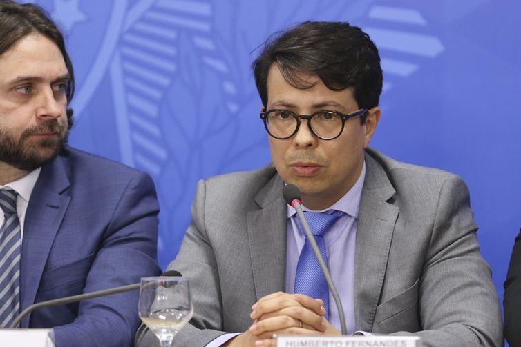 edit vac abr 18071919335 - Governo cria Conselho Brasil-OCDE e revoga centenas de decretos