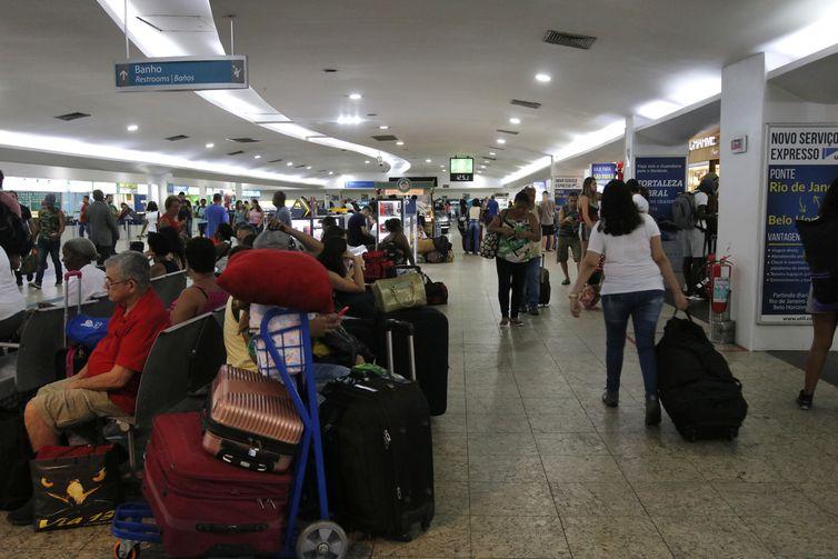 Movimentação de passageiros na Rodoviária do Rio.