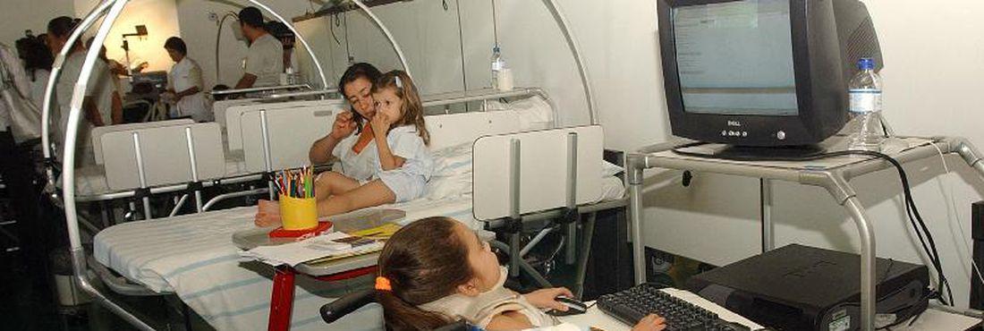 Crianças fazem tratamento no Hospital Sarah Brasília