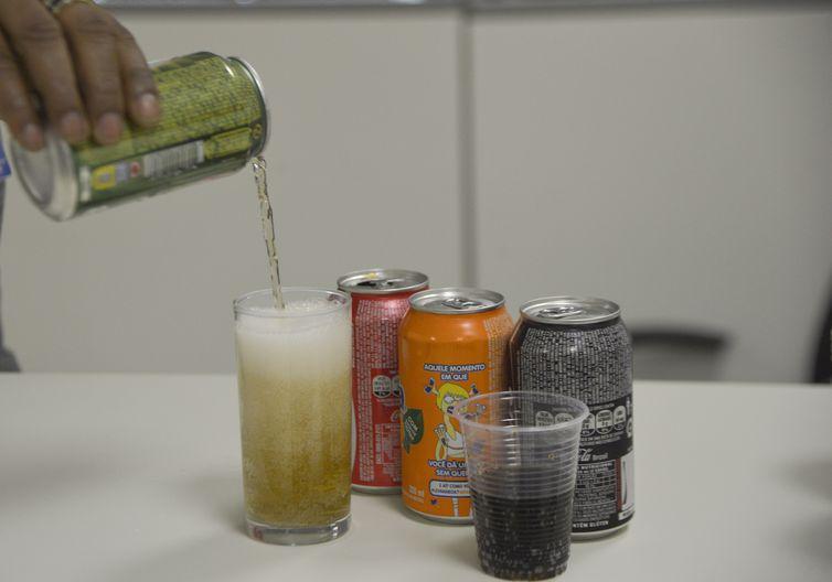 venda de refrigerantes nas escolas do ensino fundamental, do 1° ao 9° ano,