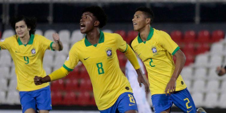 Brasil bate a Argentina e conquista o Sul-Americano Sub-15