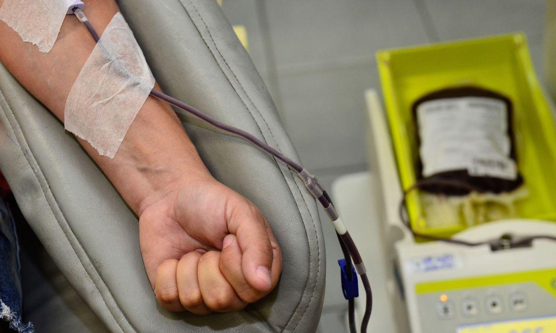 hepatite_exame_de_sangue.jpg