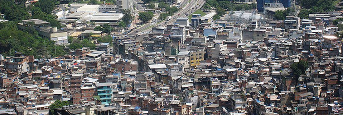 Favela da Rocinha tem pontos de prostituição de menores, de acordo com reportagem