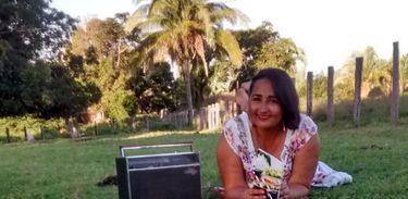 "Kennya Silva, autora da poesia ""Maria Quarqué"""