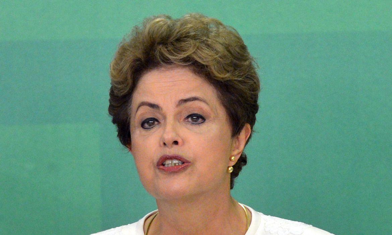 Brasília - A presidente Dilma Rousseff em pronunciamento se manifesta com indignação sobre a aceitação do pedido de impeachment anunciado pelo presidente da Câmara, Eduardo Cunha ( (Wilson Dias/Agência Brasil)