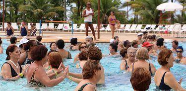 idosos, atividade, exercício, hidroginástica