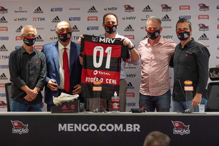 rogerio ceni flamengo1011202673 0 - Com Ceni, Flamengo encara São Paulo pelas quartas da Copa do Brasil