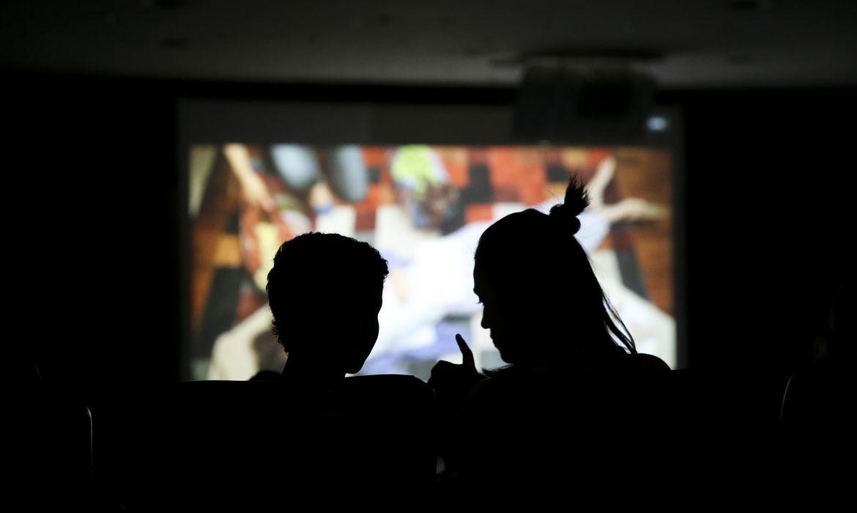 Brasília - Crianças de escolas do DF assistem a filmes durante o Festivalzinho, atividade do 49º Festival de Brasília do Cinema Brasileiro (Marcelo Camargo/Agência Brasil)