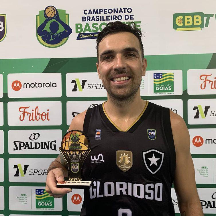 Paulinho Boracini, Botafogo, basquete