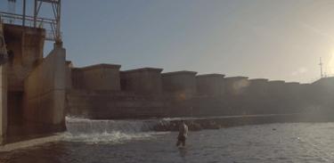 Como a construção de uma hidrelétrica afetou povos indígenas