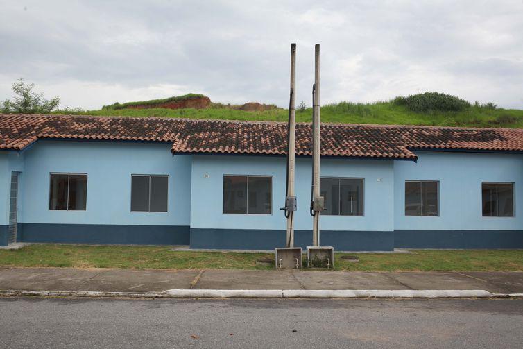 Nova Iguaçu (RJ) - O ministro Moreira Franco participa da entrega de 253 unidades residenciais do programa Minha Casa, Minha Vida (Beth Santos/Secretaria Geral da PR)