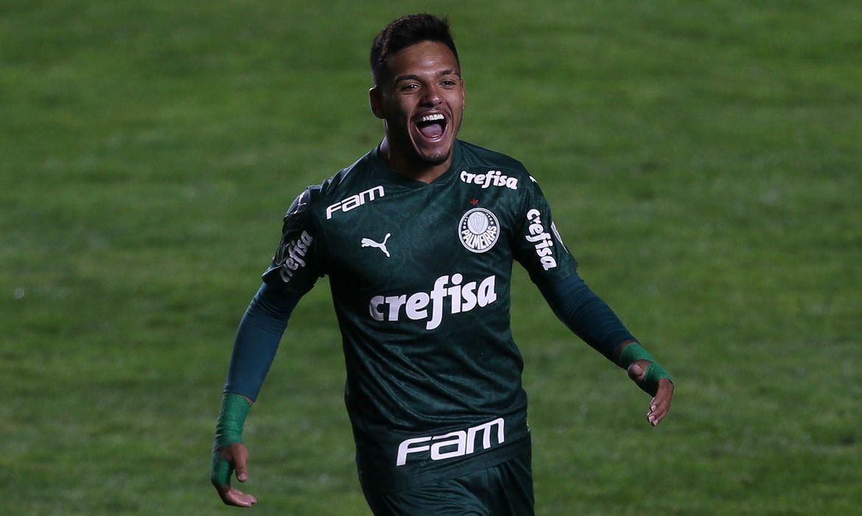 Gabriel Menino, do Palmeiras, convocado para a seleção brasileira