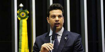 O deputado federal Leonardo Picciani comanda o PMDB na Câmara