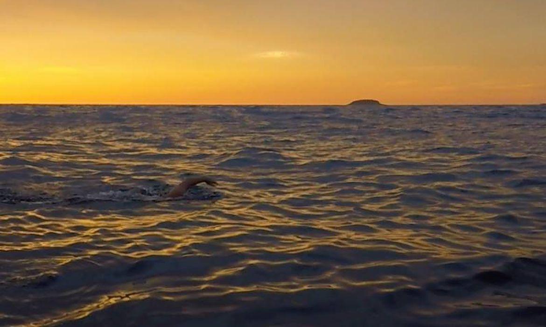 Primeiro a nadar até Alcatrazes sonha transformar desafio em evento Para Ricardo, travessia seria