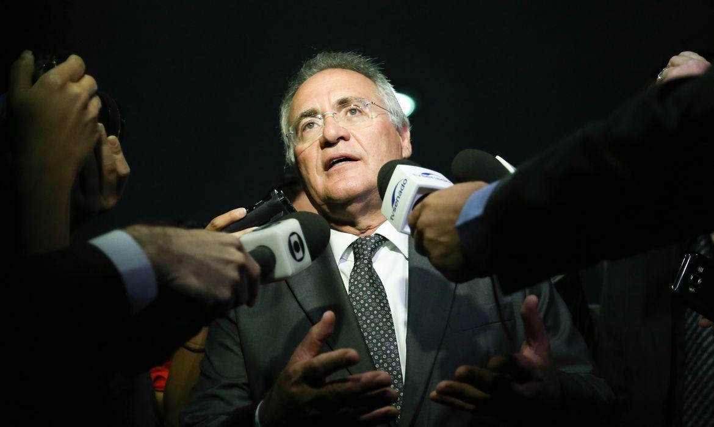 Brasília - Presidente do Senado, Renan Calheiros fala à imprensa após aprovação da PEC do Teto dos Gastos Públicos (Fabio Rodrigues Pozzebom/Agência Brasil)