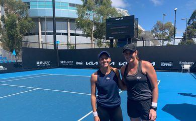 Luisa Stefani estreia na noite deste sábado (30) no WTA 500 de Melbourne.