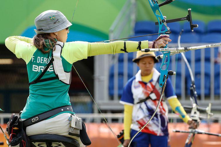 Fábíola Dergovics - tiro com arco - arco recurvo - Paralimpíada Rio 2016 - Categoria ARST – Individual arco recurvo - Fabiola Dergovics x Wasana Khuthawisap.