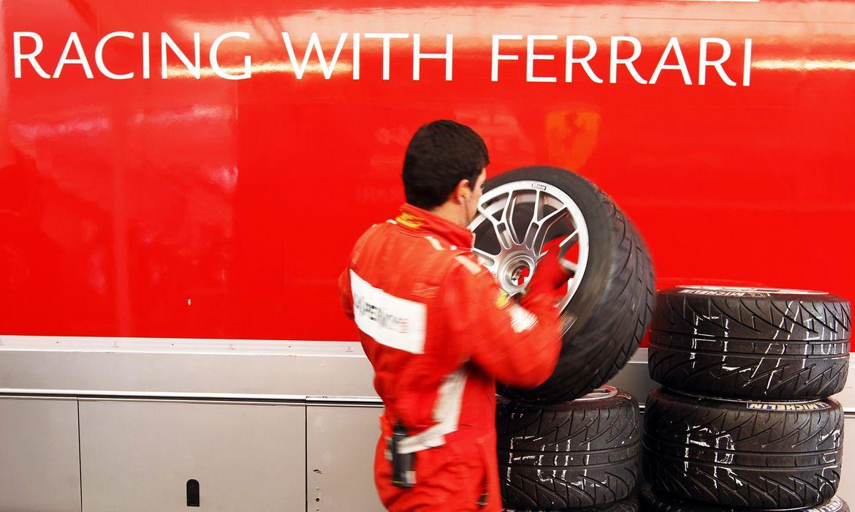 Mecânico da Ferrari em prova das 24 Horas de Le Mans