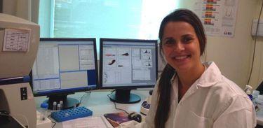 Vivian Costa, pesquisadora microbiologista da UFMG