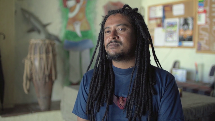 Tiago Nagô parte numa viagem pelo Nordeste na série Índios no Brasil