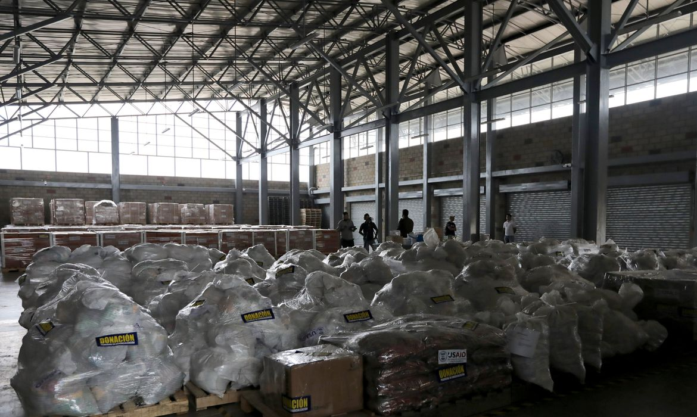 A ajuda humanitária para a Venezuela em um armazém, em Cúcuta, na Colômbia, perto da fronteira entre a Colômbia e a Venezuela.