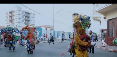 Ritmos de Ida Y Vuelta, título original, é uma produção da cineasta Ngolo Leticia Idabe Makuale