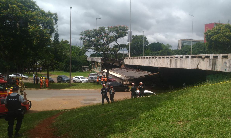 Desaba parte de viaduto de eixo rodoviário de Brasília