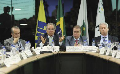 O ministro da Economia, Paulo Guedes, durante Plenária de Prefeitos da 75a Reunião Geral da FNP, fala sobre a Reforma da Previdência.