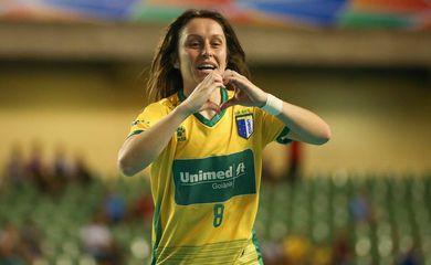 Valéria Schmidt , melhor atleta universitária do mundo em 2016 pela Federação Internacional de Esporte Universitário