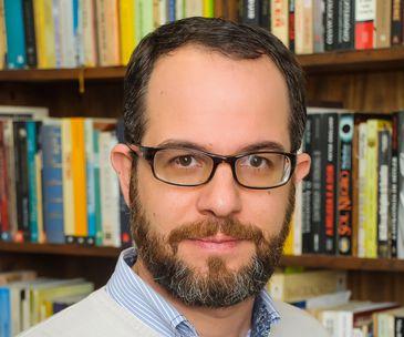"""Rodrigo Trespach, autor de """"Histórias não (ou mal) contadas - Revoltas, Golpes e Revoluções no Brasil"""""""