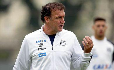 Cuca, técnico do Santos
