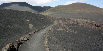 Especialista esclarece rumores de um tsunami no Brasil causado por erupção vulcânica