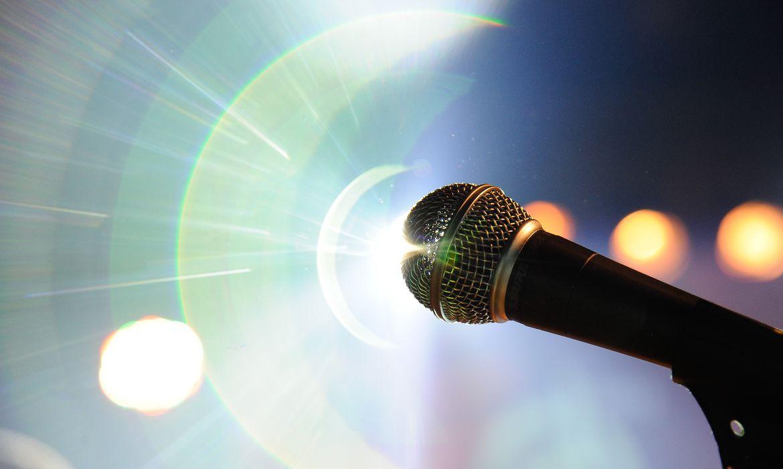 Festival de Música  FM  Nacional, microfone