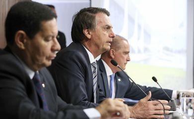 Presidente Jair Bolsonaro se reúne com o Conselho de Ministros, no Palácio do Planalto.