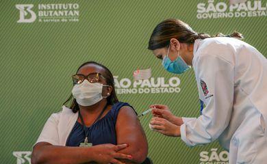 Vacina, enfermeira , são paulo