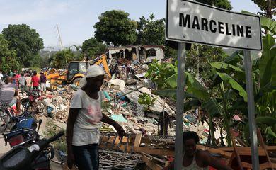 Danos de terremoto dificultam chegada de ajuda a áreas do Haiti