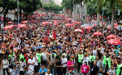 Cordão da Bola Preta faz seu 102º pelas ruas do centro do Rio de Janeiro