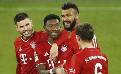 Bundesliga - Schalke 04 v Bayern Munich _Alemão