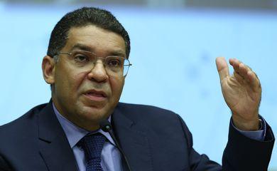 O secretário do Tesouro, Mansueto Almeida, divulga o Relatório Anual da Dívida Pública 2019 e o Plano Anual de Financiamento para 2020