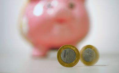 Cofre, poupança, real, economia