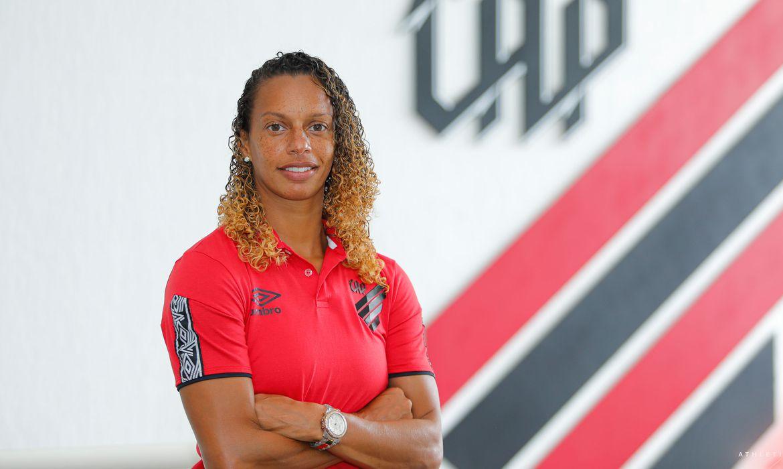 Ex-jogadora Rosana dos Santos Augusto, medalhista olímpica, assume como técnica do time feminino de futebol do Athletico-PR