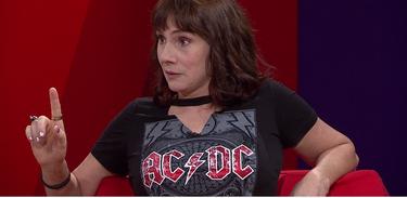Nicole Puzzi no Estação Plural