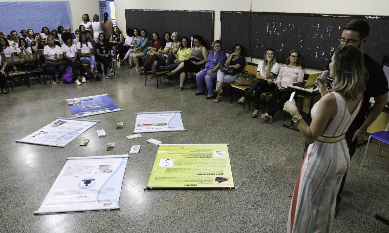 Gestores, professores, estudantes, terapeutas e demais interessados visitaram hoje a Escola Gesner Teixeira, estabelecimento foi premiado por oferecer Práticas Integrativas em Saúde como estratégia institucional para prevenção ao suicídio.