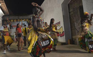 Dança do Bloco Akomabu