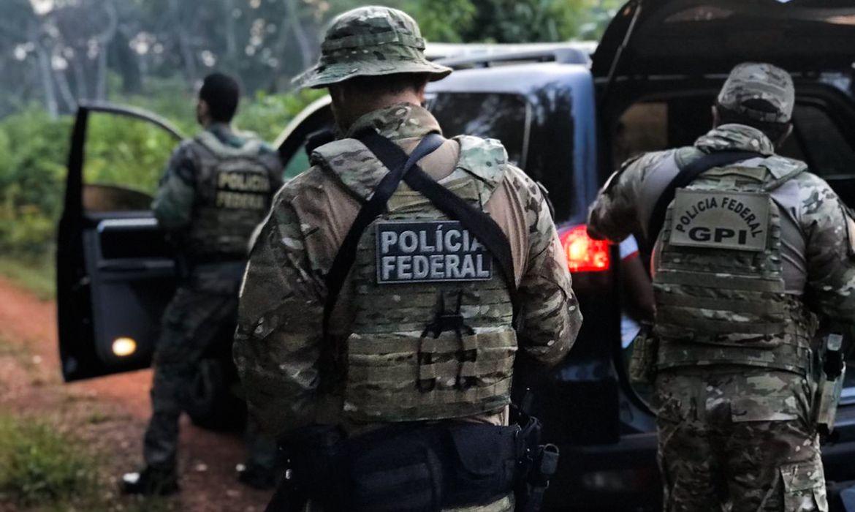 A Polícia Federal deflagrou na manhã desta quarta-feira, 04/12, uma operação para combater a ação de uma Organização Criminosa  que atuava no processo de extração ilegal de aroeira na região da Terra Indígena Sararé