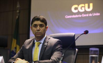 O ministro da Controladoria - Geral da União, Wagner Rosário dá entrevista.