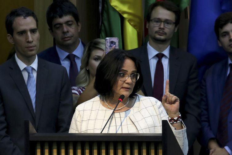 Damares Alves assume Ministério da Mulher, Família e Direitos Humanos